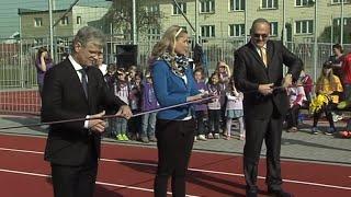 Kravaře - Nově zrekonstruované hřiště   www.Hlucinsko.TV