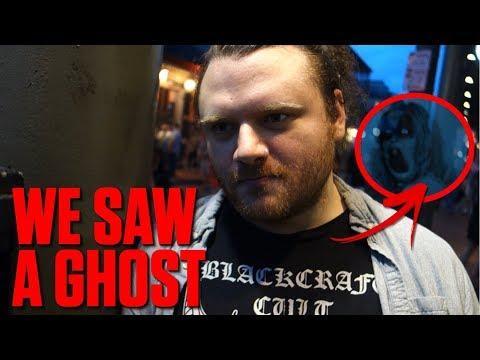 REAL GHOST CAUGHT ON CAMERA! **ACTUAL FOOTAGE**
