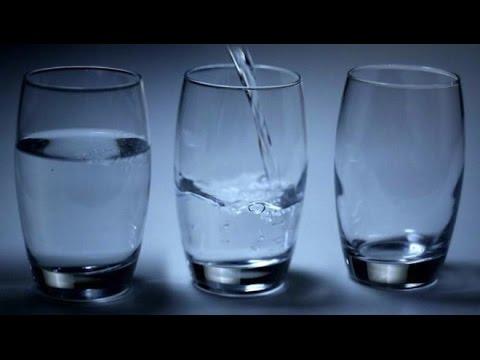 Faut il boire chaque jour un litre et demi d 39 eau pour rester en forme le magazine de la - Faut il tailler un citronnier ...