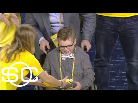 Michigan basketball 'signs' 12-year-old Jude Stamper for game | SportsCenter | ESPN