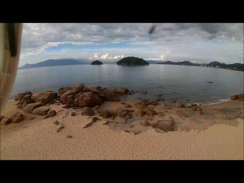 Voo de drone praia da Mococa Caraguatatuba