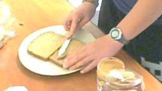 How To Make A Peanut Butter And Honey Sandwich