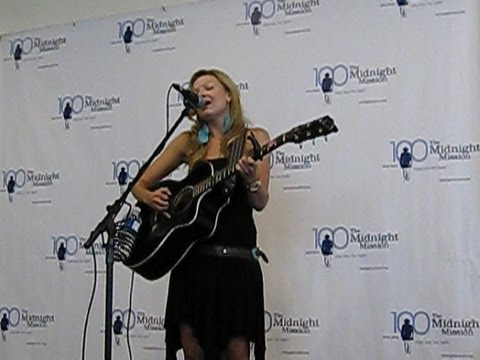 Amy May Sings Concert for Homeless Shelter