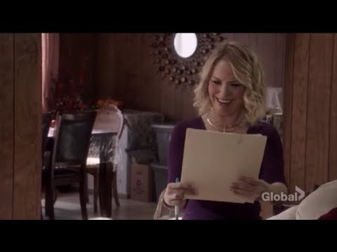 Leslie Grossman as Donna Shellstrop in The good place part 1
