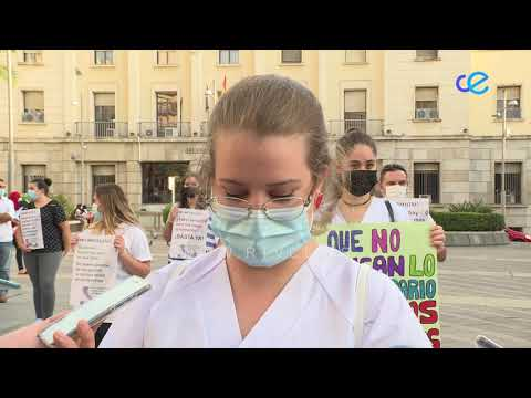 Concentración de los estudiantes de enfermería, para reclamar sus prácticas