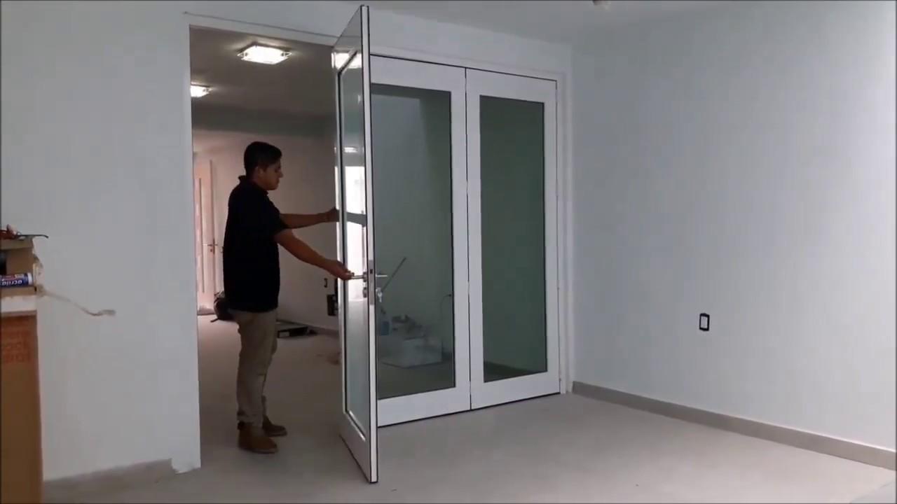Puertas de aluminio modernas doovi for Puertas modernas para interiores de casas