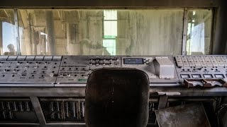 ABANDONED Phosphate Mine (discovered control room)