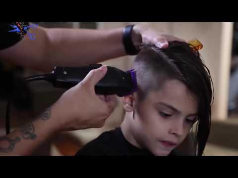 ولد اجمل من البنت يحلق شعره thumbnail