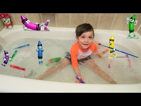 Learn Colors with Giant Crayons in the Bathtub!
