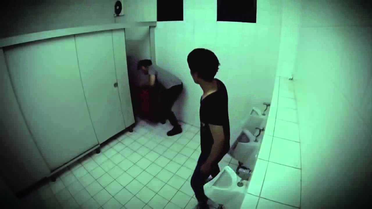 9gag hidden camera scary youtube for Bathroom 9gag