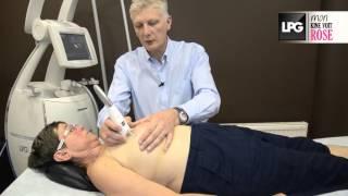 La séance de kinésithérapie de Françoise après son opération du sein droit