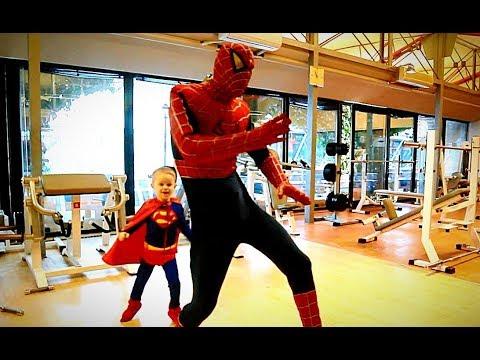 Супергерои Танцуют!  Спайдермен против Супермена, Бэтмен и ДжекВоробей Superheroes dance #Spider-man