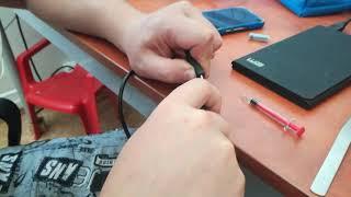 Studenti VUT radí jak opravit micro USB konektor