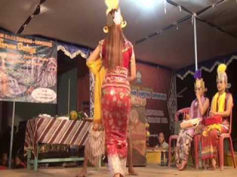 Tari Topeng Taruna Budaya Samabumi - Surung Dayung - YouTube