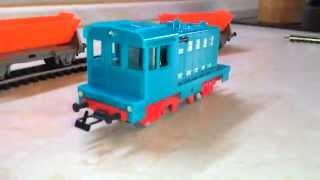 Железная дорога PIKO (ГДР) тепловоз и два вагона(Железная дорога модели., 2015-03-17T13:01:57.000Z)