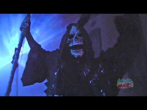 Halloween Horror Nights 22 scare zones with roaming hoards in streets of Universal Orlando