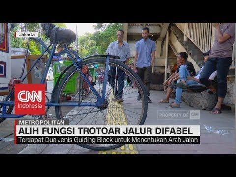Alih Fungsi Trotoar Jalur Difabel di Jakarta