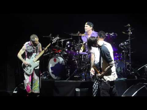 """""""Into Jam & Cant Stop"""" Red Hot Chili Peppers@Wells Fargo Center Philadelphia 2/13/17"""