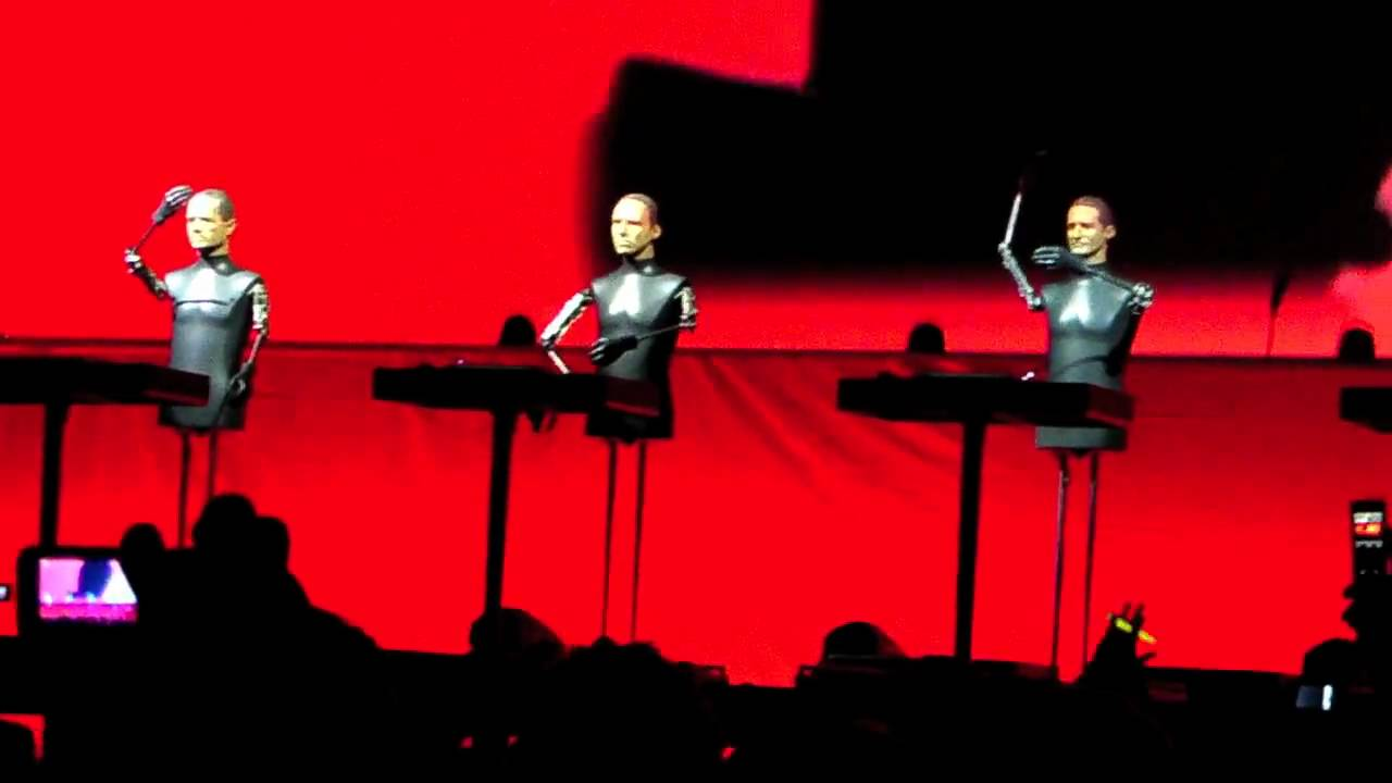 Kraftwerk - 'The Robots' (Randers 2009) - YouTubeKraftwerk The Robots