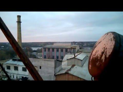 На вершине трубы Браиловского сахарного завода