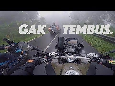 TOURING Naik BMW GS di BALI - Lampu LED Gak TEMBUS...