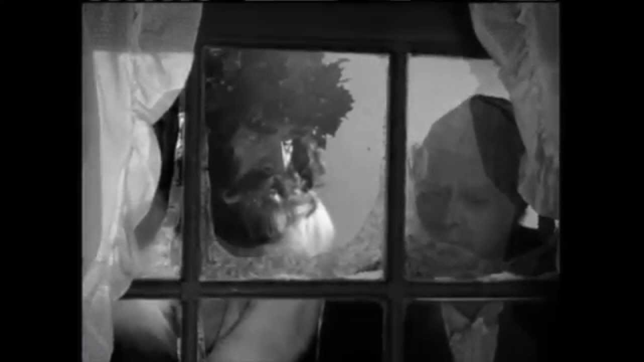 Christmas Carol 1938: Cratchits Farting - YouTube