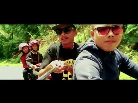 DJ Qhelfin Ft Gafar SANTAI (Ovicial Video 2017)