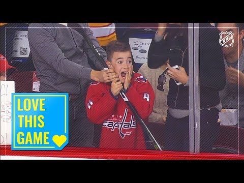 Fan loses mind after getting Ovi's stick