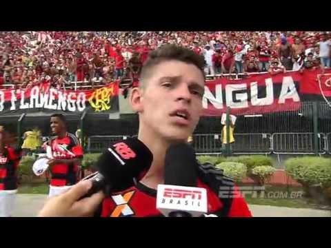 Thiago explica troca de provocações com goleiro do Corinthia