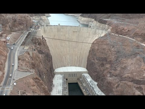 Hoover Dam Tour - An Amazing Feat of Modern Engineering