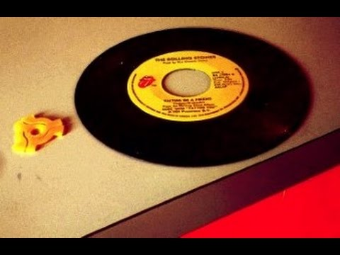 Using a vintage 45rpm record adapter