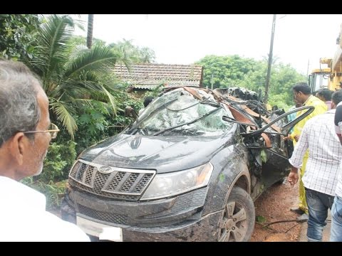 Latest Car Accident Of Mahindra Xuv500 In India Road Crash