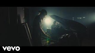 Смотреть клип Missio - Middle Fingers