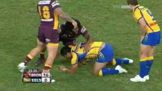 Moimoi Vs Hunt. Fuifui Moimoi Big run over Karmichael Hunt