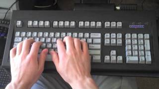 A comparaison of theree keyboards: the Kinesis Advantage, Unicomp Customizer, and Das Keyboard