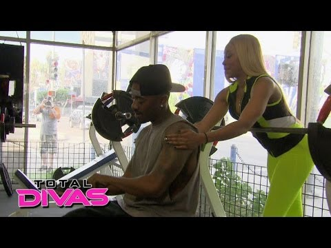 Cameron and Ray J hit the gym: Total Divas Preview, May 11, 2014