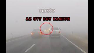 Döbbenetes felvétel: Tejködben előzött a Fiat sofőrje, szemből megjelent a kamion