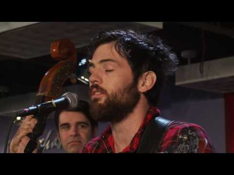 THE AVETT BROTHERS - Laundry Room - LIVE at Borders #01 - Part 1