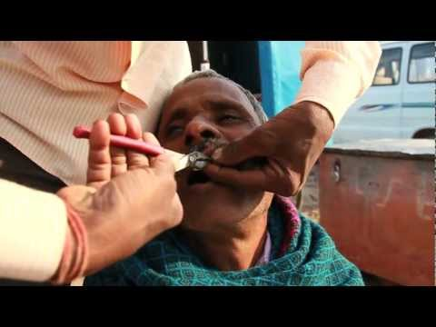 India Motorbike Tour, Rajasthan Deserts #5 Bundi, Street Dentist