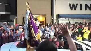 鶴竜の優勝パレードです。