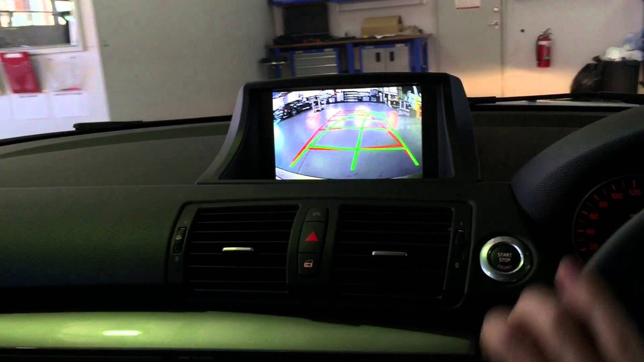 small resolution of 2010 bmw 1 series e87 integrated rear view camera with dynamic guidelines