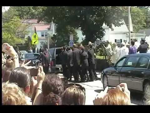 Funeral of Eunice Kennedy Shriver-Senator Ted Kennedy Dies