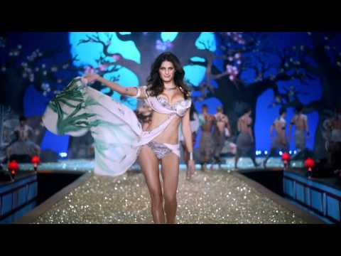 Victoria's Secret Fashion Show 2010 - Setting The Tone