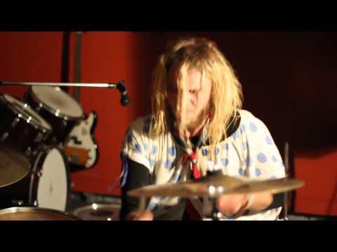 Big Head Ella - Shot to the head (Encore - Live at Shed Gig)