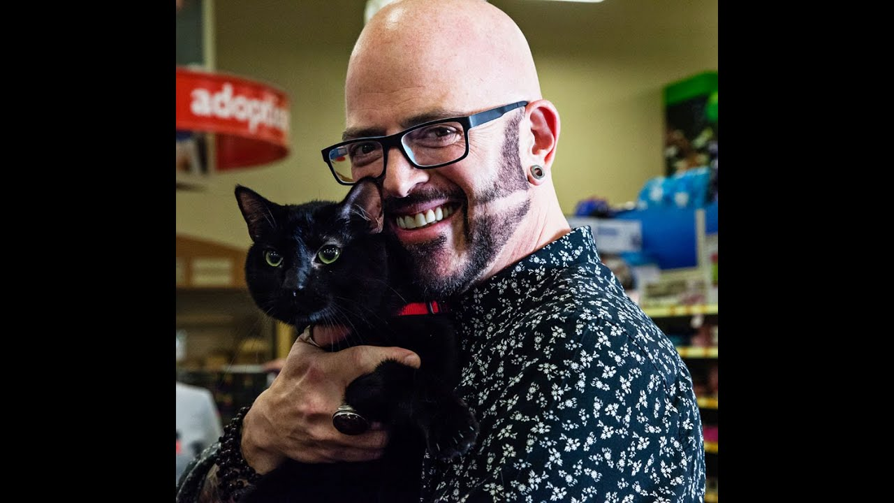 Jackson galaxy inspires cat adoption for petsmart for Jackson galaxy petsmart