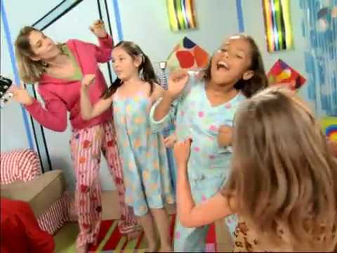 Dance Around the House - get up and move with this original song by the Swingset Mamas! #dancesongs