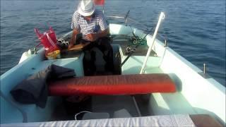 Морская рыбалка в Несебрском заливе. Болгария.(Просто хочу помочь своему товарищу в Болгарии. Морская рыбалка с Боби. +359888842396. 0888842396. Удочки, наживка, спаса..., 2016-06-25T13:07:42.000Z)