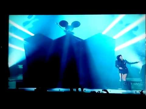 Deadmau5 performing Raise Your Weapon / Hi Friend w/ Lights & MC Flipside Junos 2012