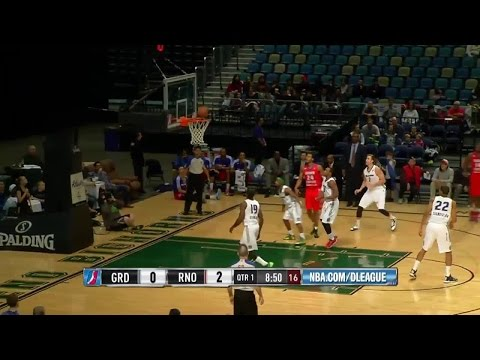 Adonis Thomas pours in 30 points for Grand Rapids Drive