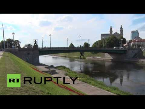Lithuania: Removal of Soviet statues from Vilnius' Green Bridge raises concerns